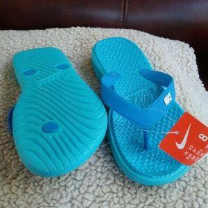 Nike Flip Flops NWTags (8)